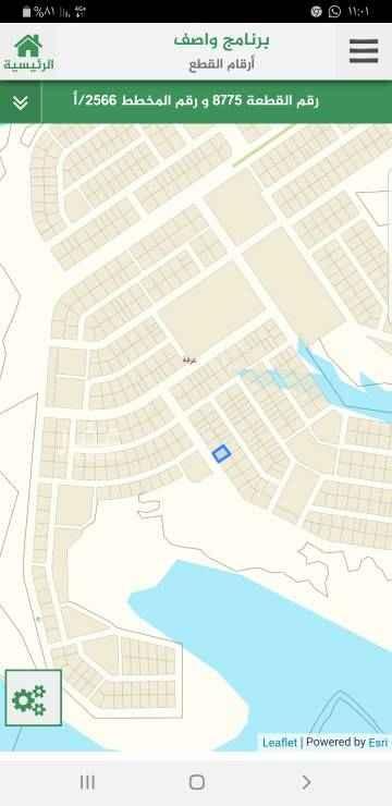 1584235 أرض سكنية طبيعتها ممتازة مساحتها 750م عرضها على الشارع 25م عمقها 30م واجهتها غربية على شارع عرض 25م امكانية تجزئتها لقطعتان متساويتان.  أنا وكيل مباشر مع المالك.