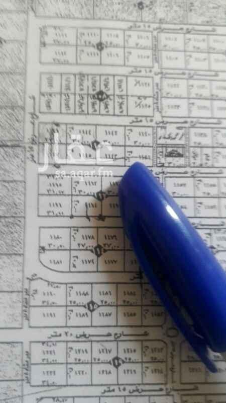 1323124 فرصة للاستثمار ارض تجارية للايجار مساحتها 900م  سعر المتر 389 ريال شمالية غربية زاوية الملك سلمان مع شارع الخير
