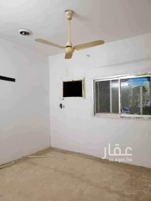 1727927 شقة عزاب أرضية مدخل خاص