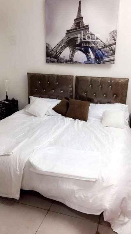 1801666 شقة صغيره غرفه نوم جديده مكيف سبلت جديد وتلفزيون جديد ودوره مياه ومطبخ صغير