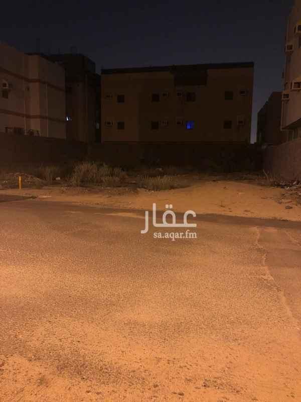 """1587243 ارض """"منبسطة """"مساحتها ٥٦٧ متر مربع على شارع عرض ١٥ متر وشارع طوله ٢٧ متر  . يوجد لها رخصة انشاء (بناء) منتهية صلاحيته لبناء ثلاثة ادوار ، البيع من المالك مباشرة ."""