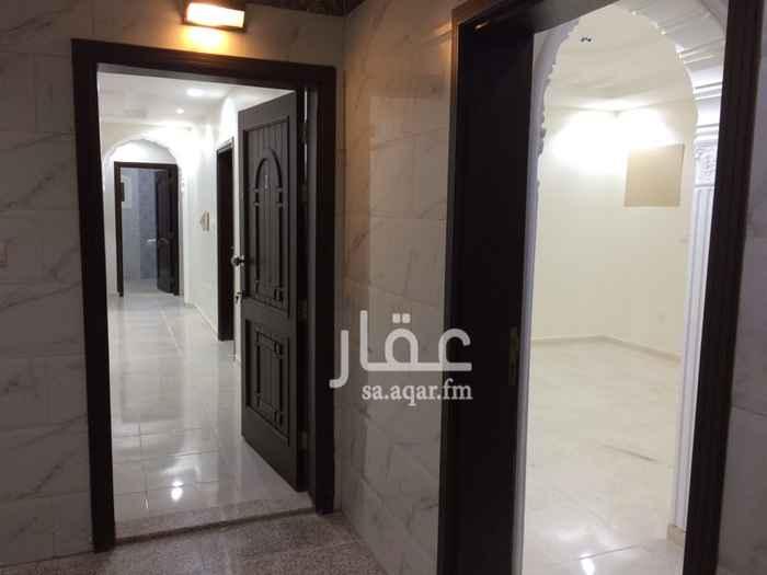 1064994 شقة جديدة مكونه من 4 غرف وصالة و3دورات مياة  ومطبخ اضافة الى دش مركزي للشقة وعداد مستقل للماء قريية من المسجد  نامل التواصل واتس اب