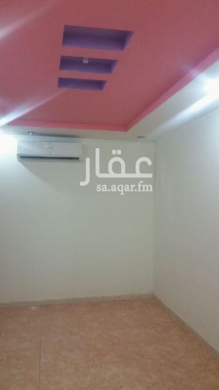 1343348 عمارت الحمود حي الفيحا شقه رقم 16 غرفه وصاله ودورت ميا ومطبخ  بلاط عوائل سنوي علا 12500ريال