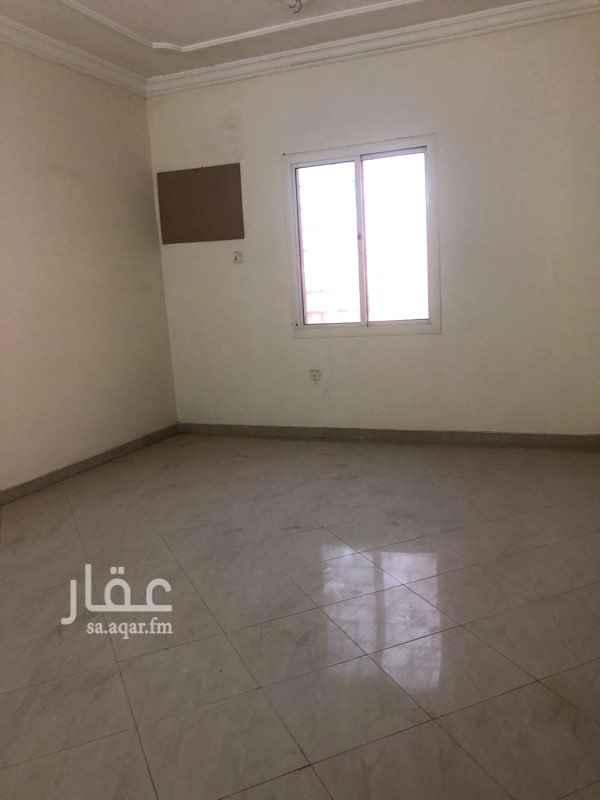 1662384 شقة مدخلين  خمس غرف ومطبخ راكب وصالة وحمامين
