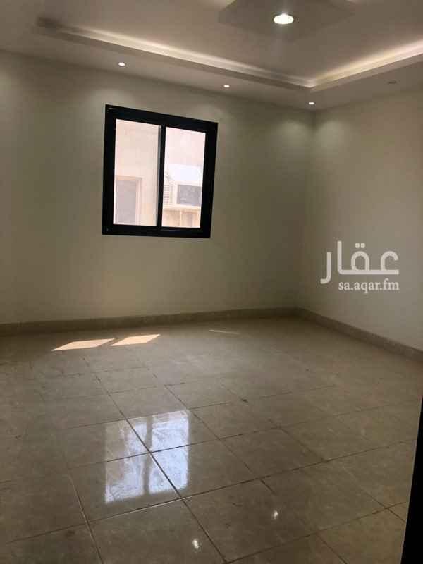 1789433 شقة تتكون من اربع غرف ودورتين مياه ومطبخ وسطح خاص مصعد مرخص مكاتب اداري تجاري