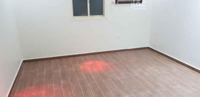 1812497 متوفر شقه ف الربوه خلف قاعة كرستال  مستخدمه  خلفيه  ( مدخلين + ٣ غرف + دورتين مياه + خزانات مستقل + عداد كهرباء خاص + موقف خاص ) !!!  كااااش