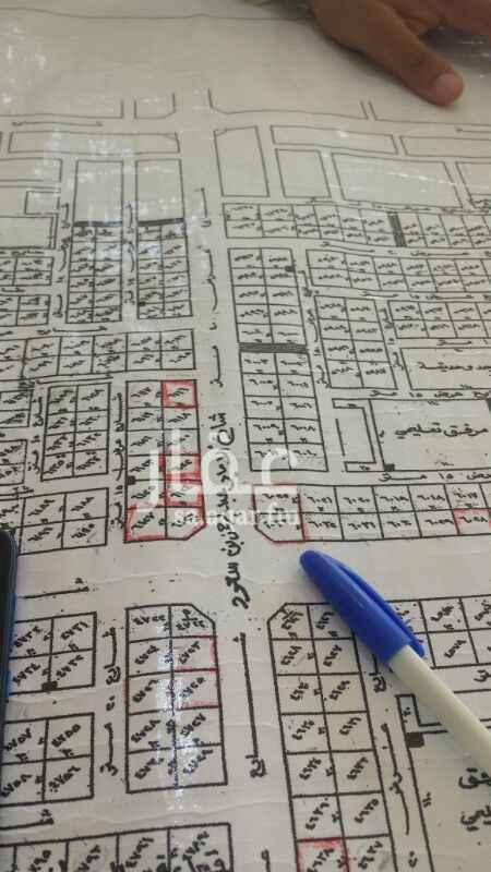 1495564 ارض تجارية ثلاث شوارع 60 جنوبي 40 غربي 15 شمالي تصلح بنوك او مطاعم وغيرها الموقع ممتاز جدا