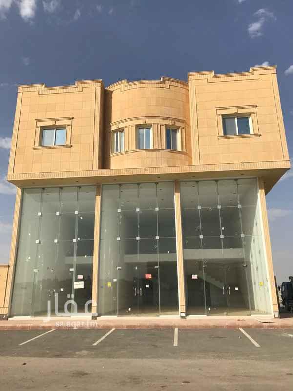 1088117 عماره تجاريه للإيجار او للبيع  في الرياض حي المهديه فيها ٣صالات ميزانين وثلاث مكاتب تجاريه سعر الايجار ٣٥٠ريال للمتر المربع الى٤٥٠ ريال اما الايجار كامل 200الف اما سعر البيع مليونين ونص صافي