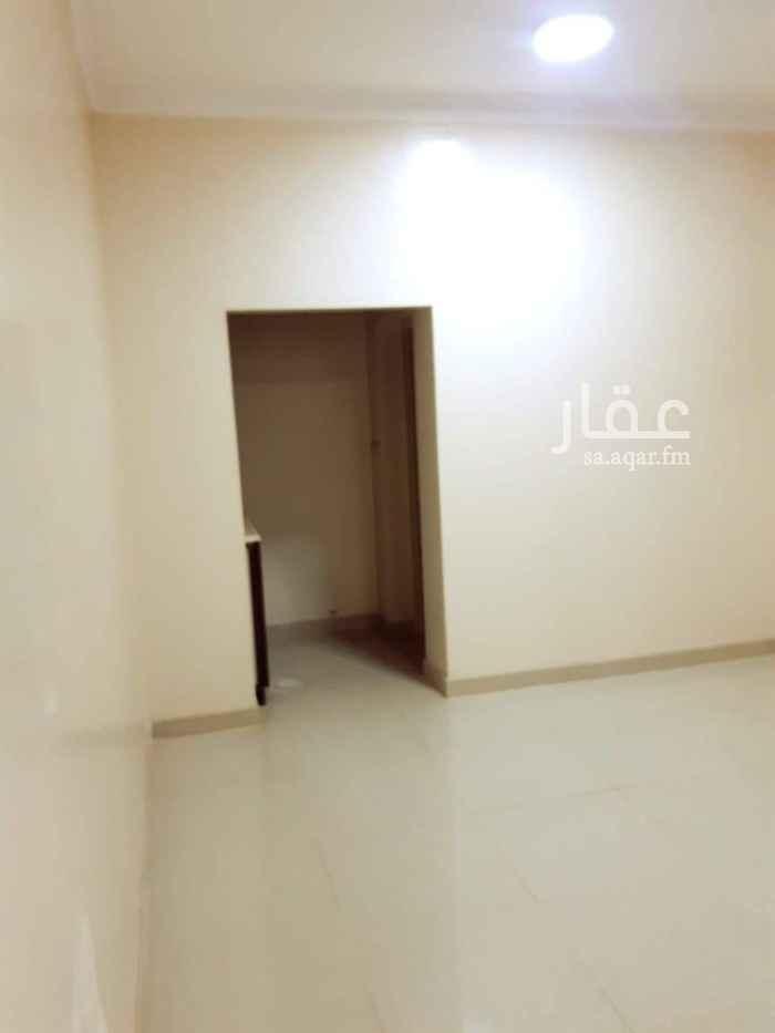 1405400 عمارة من أربع ادوار وملحق في السطح  كل دور فيه ثلاث شقق وكل شقة عبارة عن غرفة وحمام وبوفيه