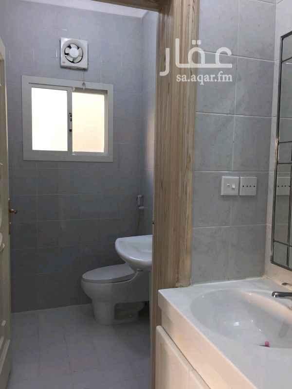 1466033 للايجار شقة فخمة دوار اول  تتكون من 5غرف وصاله وغرفة شغاله ومطبخ وسيع راكب و4 حمامات  ارضيات باركيه  مطلوب 40الف  0541001095 0503834026
