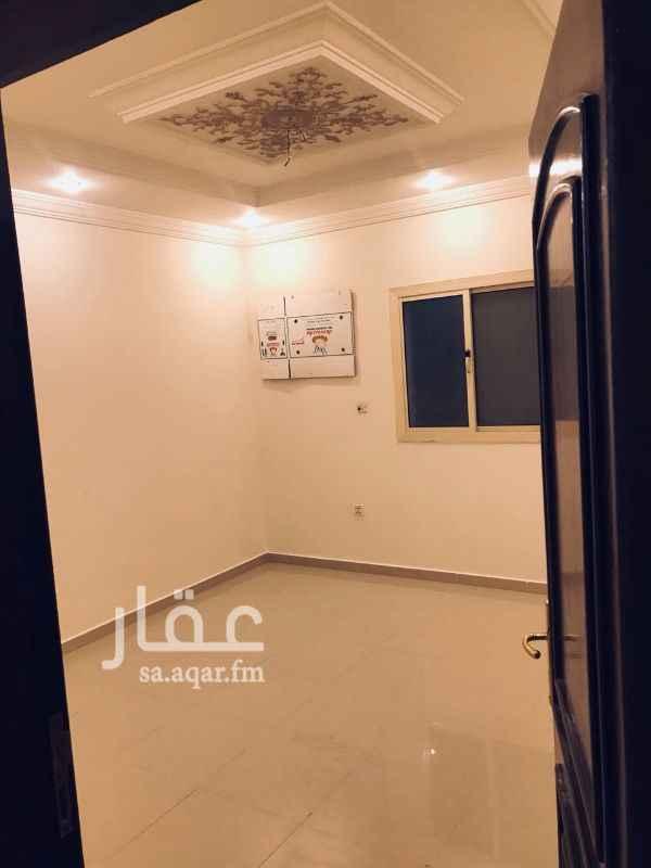 1115349 4 غرف + 3 حمامات + مطبخ راكب + موقف سيارات الشقه نظيفه ومرتبه