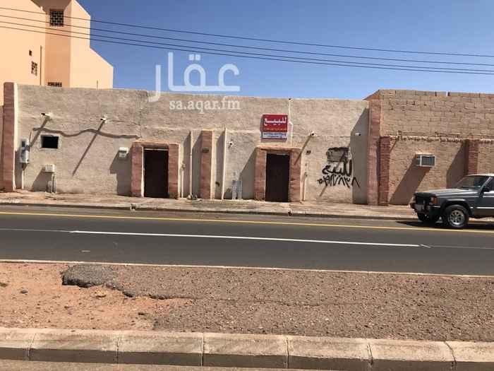 1551564 للبيع بيت شعبي تجاري اتجاه جنوب بحي الباديه للمفاهمة الاتصال على جوال 0503917838 ابو مشاري