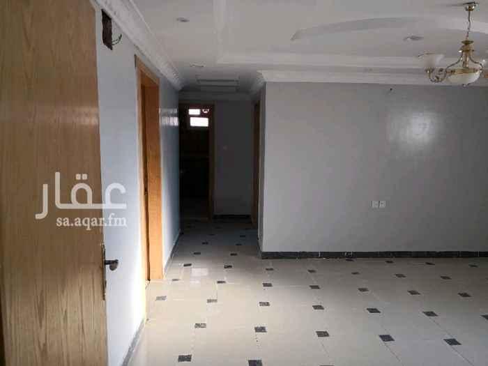1299169 شقه اربع غرف وصالة بمدخلين منفصله و سطح خاص بجوار ابتدائية البنات ٢٠٨