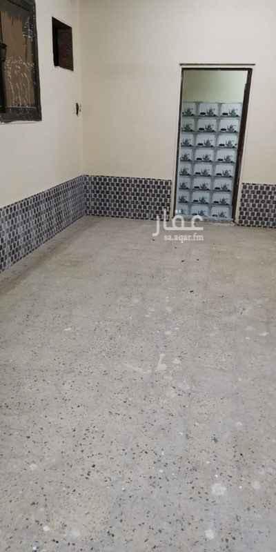 1648356 للايجار غرفة عزاب ومطبخ وحمام شامل الكهرباء والماء  مرممه جديد.  الايجار 750 بوجد 3 غرف بجانب بعض  مكتب اجياد الاندلس للعقارات