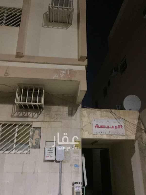 1760786 للايجار ملحق في عمارة سكنية عوائل شارع لبيد بن ربيعة التوفير سابقا  الكهرباء مستقلة الملحق مرتب جدا