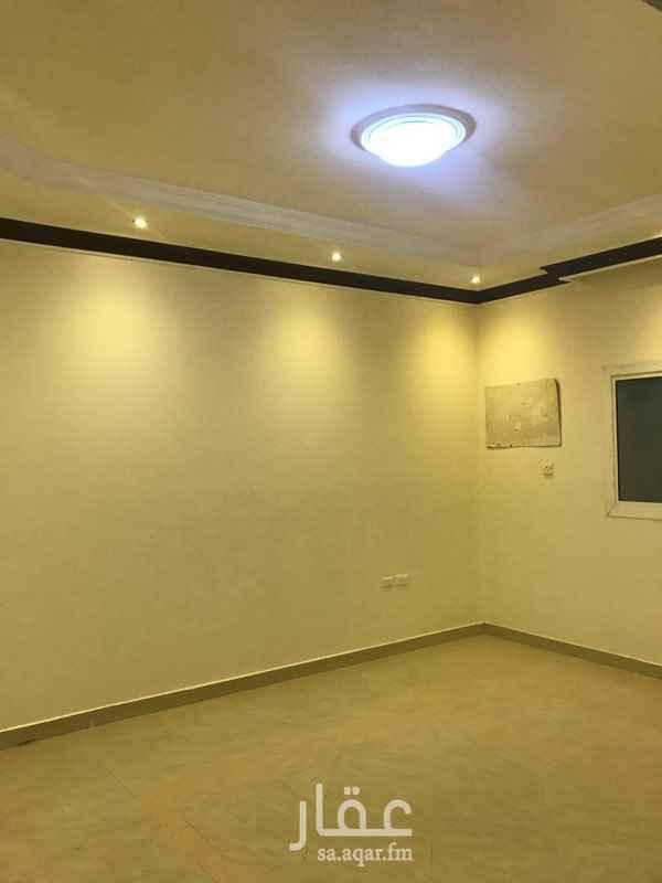 1650735 شقة ديلوكس نظيفة جدا عبارة عن ثلاث غرف وصاله وحمامين ومطبخ يوجد به دولاب مطبخ