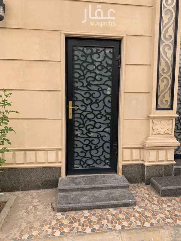 1528947 من المالك مباشرة ايجار شهري  غرفة سائق في فيلا  مكيف gree اسبليت وحمام