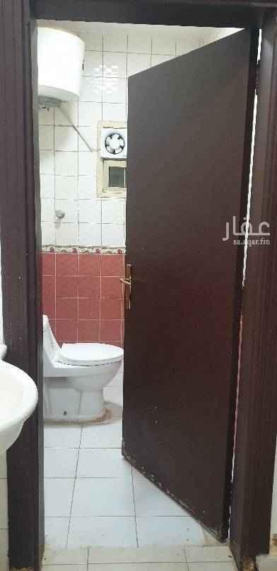 1757054 دور ارضي ٥ غرف وصاله و٣ حمامات  ومطبخ  مدخل سياره وغرفة سائق