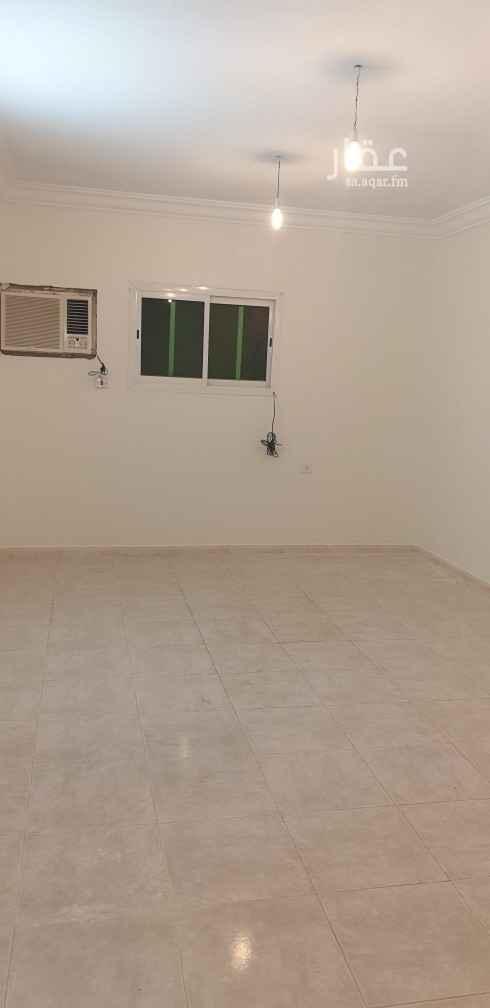 1811977 شقه ارضيه ٣ غرف وصاله وحمامين ومطبخ مكيفات ومطبخ راكب