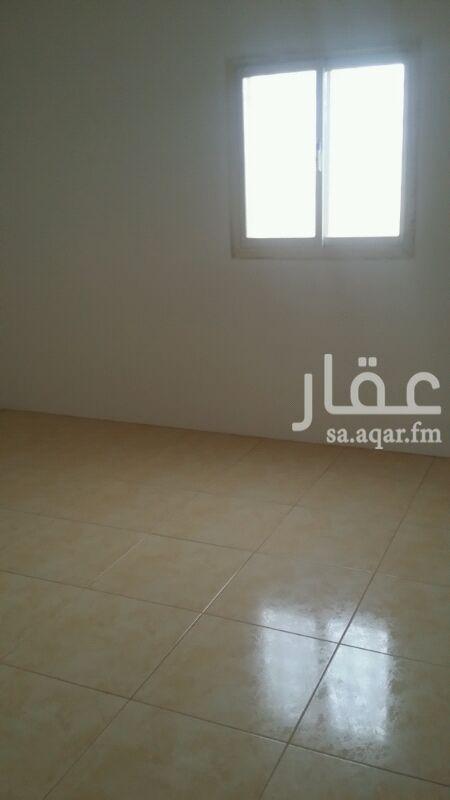 1672588 شقة شبه جديده 4 غرف وصالة ودورتين مياه ومدخلين بويه جديد مدخلين + عداد مستقل