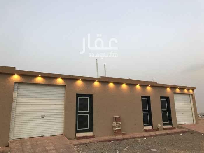 1285386 استراحة عزاب للإيجار المهدية في مدينة الرياض  بمدخل سيارة  استراحة للعزاب للإيجار  (السنوي/ الشهري)  بحي المهدية في مدينة الرياض.  وتتميز بالبناء المسلح وتتكون الاستراحة من:  مجلس + مدخل سيارة + غرفة كبيرة 8م في 6 م  معها مشب مساحتها اكثر من 100متر مربع + مطبخ + دورة مياة + مدخل سيارة (باب ريموت) + مدخل خاص على الشارع مباشرة + حوش   استراحة عزاب للإيجار المهدية