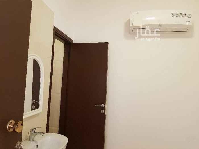 1515080 ##التواصل واتساب أو اتصال## *دفع شهري* *رسوم المكتب والكهرباء والماء مع مكيف الاسبيلت على المالك*  *غرفة لشخص واحد مع حمام خاص*  *جديدة *مكيف اسبيلت جديد *سخان *مجلى مطبخ *حارس خاص للعمارة *الماء واصل من الشبكة *الانترنت واصل (ألياف بصرية) *كاميرات مراقبة لمداخل العمارةوالمواقف *قريبة من جامع الأنصار *قريبة من الخدمات  4 دقائق لشارع التحلية 6 دقائق لشارع فلسطين 15 دقيقة لجامعة الملك عبدالعزيز 20 دقيقة للمطار  *الإيجار الشهري (شامل المكيف والكهرباء والماء):* 800 ريال في الشهر