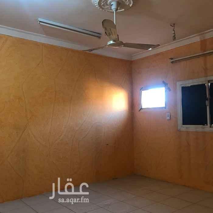 1438515 اربع غرف وصاله ومدخلين وحمامين ومطبخ  يوجد مصعد. سيتم تنظيف الشقه وتكميلها قبل استلامها من قبل المؤجر