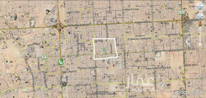 1689914 بمساحة 450 متر مربع، فرصة استثمارية على شارعين متظاهرين  فيلا قديمة مقسمة الى 4 شقق .  دخلها 70 الف ريال .  في موقع مميز بجوار اسواق الجوالات، و محطة القطار الجديد، و هيئة الاتصالات تبعد عن طريق الملك عبد العزيز 500 متر تقريبا الجادين فقط