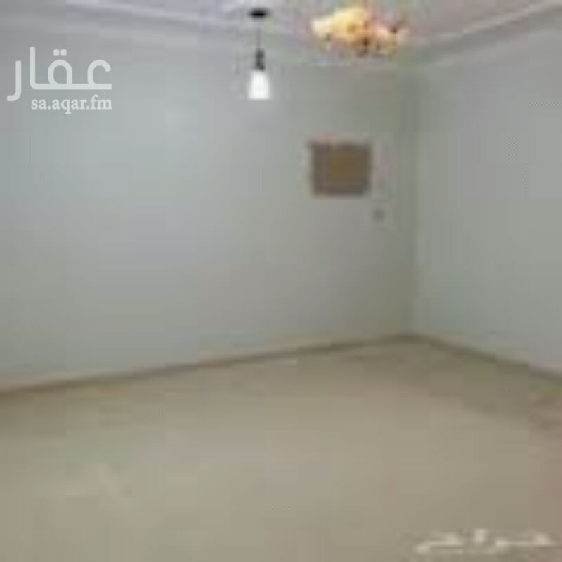581559 غرفه بحمام  تنفع لحارس أو سواق بها مكيف و مساحتها 3.5 × 2.5 تقع في ارتداد العماره في حي النزهه أمام مسجد الشربتلي شارع عروان