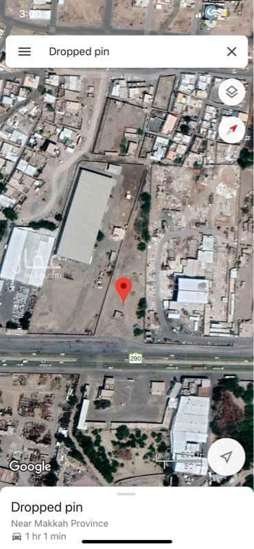 1684933 ارض للبيع على الشارع العام طريق مكة جدة القديم ببحرة المجاهدين . المساحة ٨٥٠٠ متر . العرض على الشارع ٦٠ متر . العمق ٢٥٠ متر .