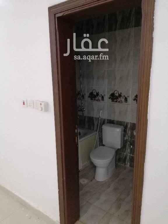 1328886 شقة دور ارضي 3 غرف نوم صاله مطبخ 3 حمامات الايجار الشهري 1100 ريال