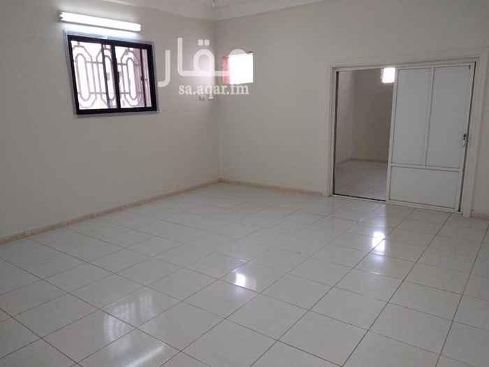 1682150 شقة من اربع غرف وصالة مدخلين دور علوي+ مصعد قريب من الخدمات    الايجار قابل للتفاوض  . .