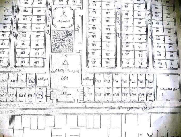 1115201 ارض تجارية على شارع ٣٠ الامير بندر بن عبدالعزيز المساحة ٨٠٠م يحدها من الشرق والشمال مواقف سيارات