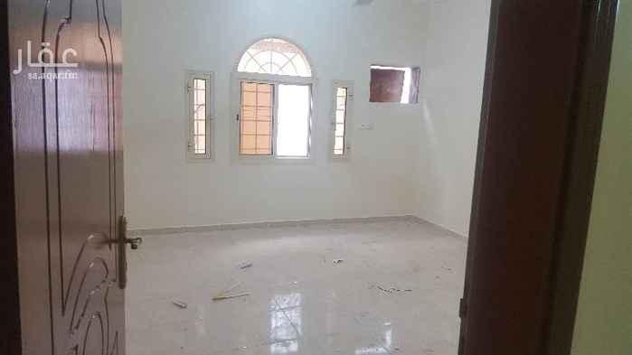 1462967 شقة للايجار  شقة للايجار دور ارضي مكونة من خمس غرف وصالة ومطبخ وثلاث حمام وغرفة شغالة بحمام خاص +مدخلين