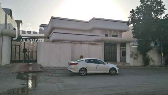 919236 فله فخمة دورين بدون ديكور تحوي على 9 غرف وصالة داخلية مفتوحة  بالقرب من مسجد الشيخ عبدالعزيز بن باز رحمه الله  شمال  سنتر بوينت و تبعد عن طريق خريص 120 متر تقريباً شمالاً