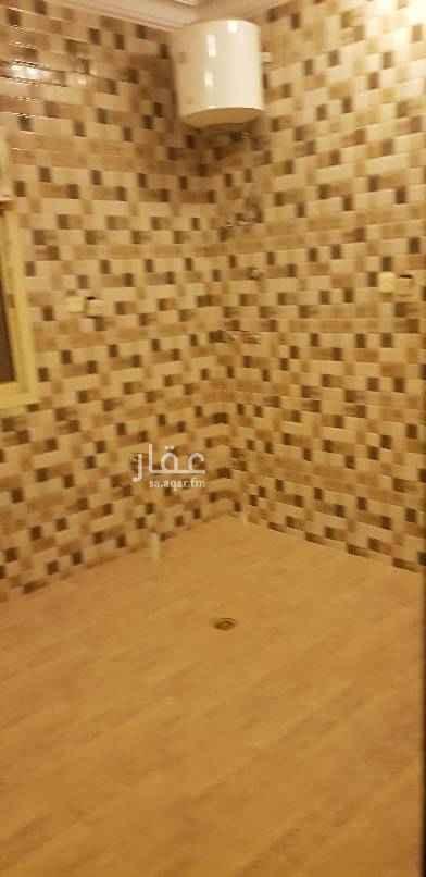 1477223 شقه في العارض للايجار عوائل بالسطح  ٣ غرف وحده  ومجلس وصاله و٣ دورات مياه