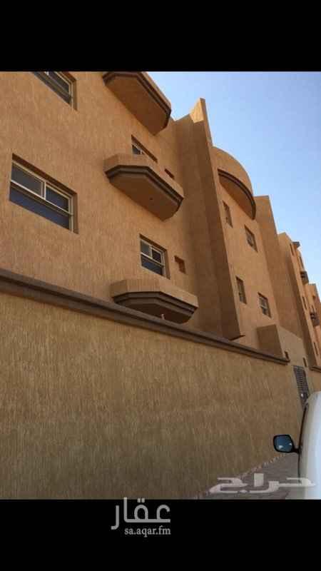 1139478 شقة أرضية مكونة من غرفتين وصالة ومطبخ ومجلس وثلاث دورات مياه