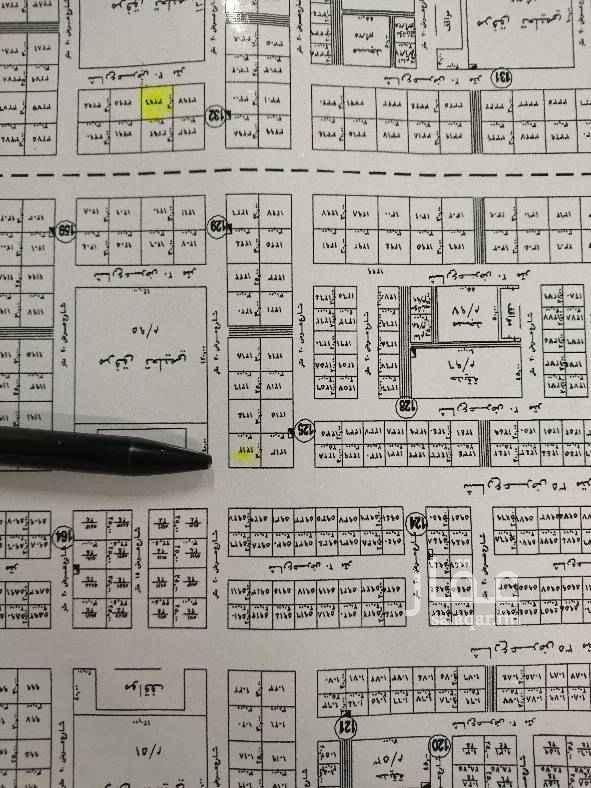 1518681 ارض للبيع تجارية ٩٠٠م على شارعين ٣٥ شمالي و٢٠ شرقي رقم ١٢١٢ سوم مليون و٤٠٠ حد مليون و٥٠٠ مكتب رواسي الميادين جوال 0505208286