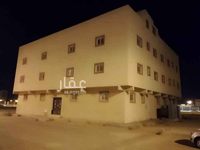1636480 عمارة جديدة عمر سنتين مكيفة يوجد بها 12 شقةز التاجير بالكامل للعماره.  العماره في حي النزهه في الخرج, قريب من طريق الملك فهد.