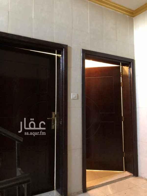 1767167 4غرف 2حمام صاله ومدخلين ومطبخ جاهز الدىر الاول الموقع العزيزية -شارع الامام مسلم -خلف فتدق العموان الذهبي مباشرة