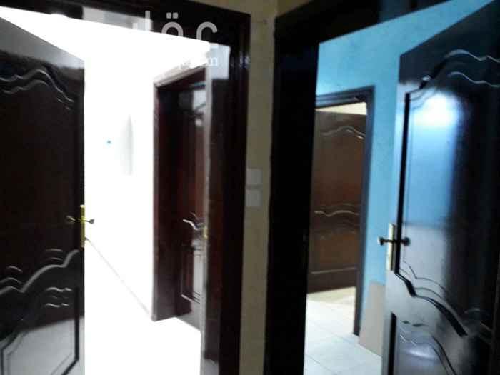 1273048 ٤ غرف+ صالة+ مطبخ+ ٤دورات مياه مسكونة سنة  الشقة جبس وإضاءة السعر ١٩ الف دفعتين ( ما يقبل شهري )