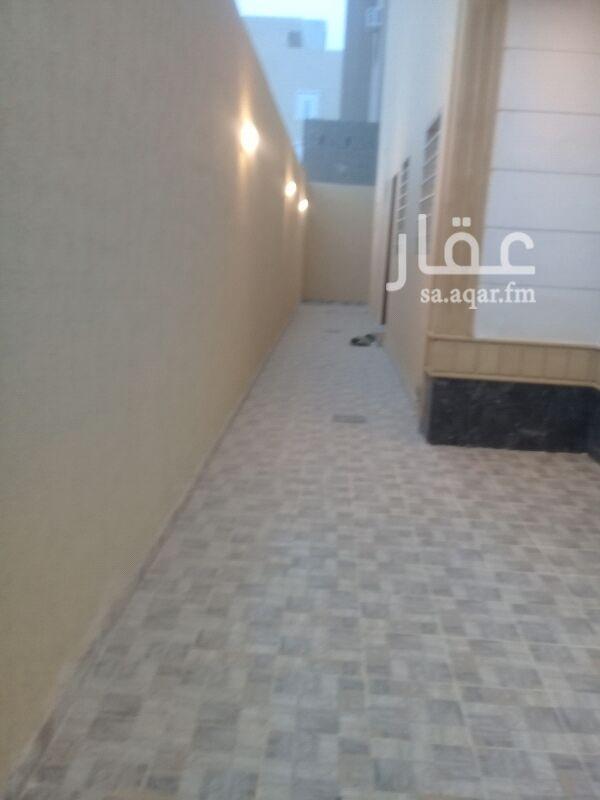 1447169 فيلا دبلكس في القيروان تحت استقبال وغرفة نساء وفوق ٤غرف وفي السطح غرفتبن