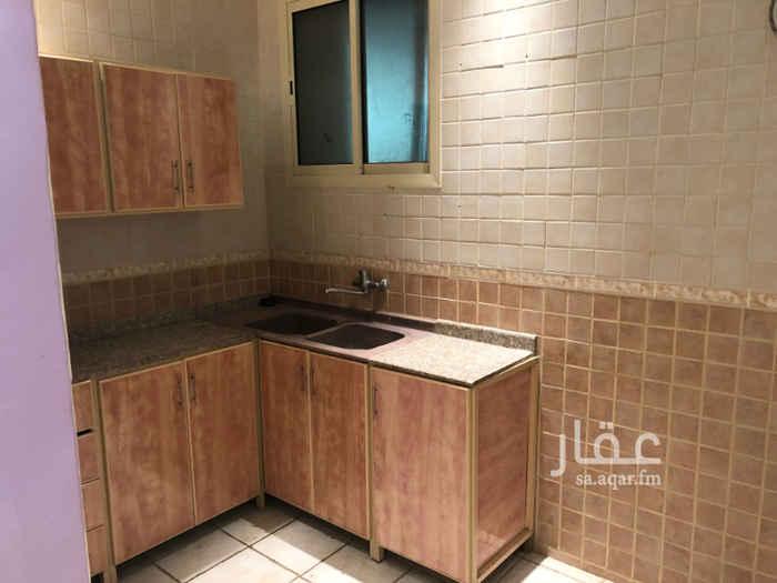 1741428 مكتب للإيجار في طريق الأمير سعد بن عبدالرحمن الأول - طريق المائة سابقاً (مخرج 15 - الدائري الشرقي) عمارة نظيفة جداً يوجد مصعد بالعمارة يوجد دورة مياه يوجد مطبخ قيمة الإيجار السنوي 22.000 ريال كود المكتب AJ-10