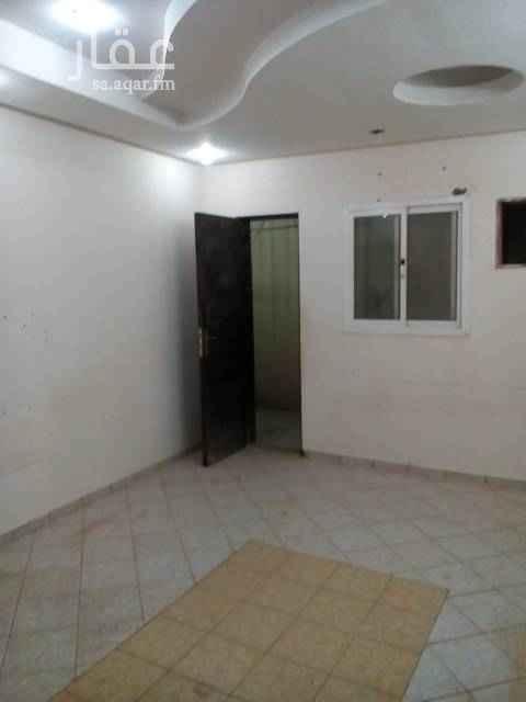 1332788 شقة أرضية 3 غرف وصالة ومستودع مدخلين