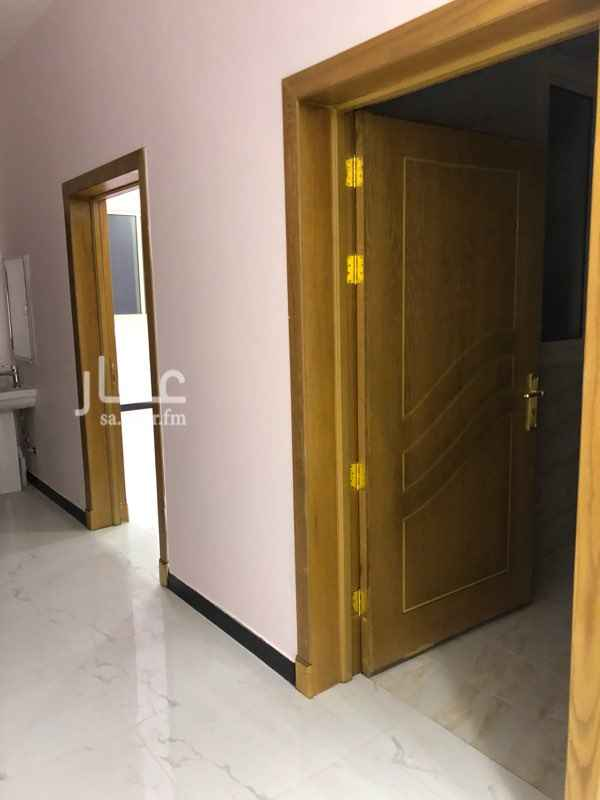 1727873 شقة جديدة في فلة جديدة أربع غرف وصالة ومجلس   شغل ما شاء الله مرتب العداد مستقل في مخخط فنجال الشيباني في السطح  معها سطح  مكتب سعد للعقارات  0505477100