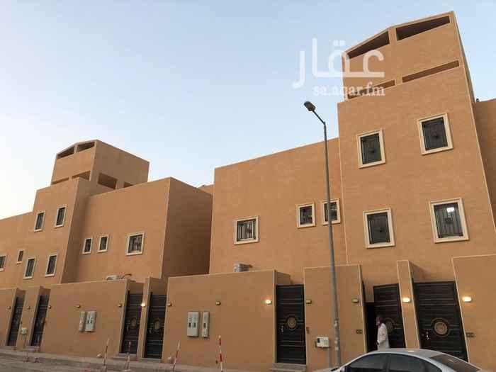 1799495 شقة كبيره في السطح جديده  مدخل مشترك   ديكورات سراميك نظام التكييف اسبليت   قريبه من جميع الخدمات