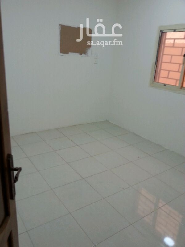 1683386 غرفة مع حمام دور أرضي