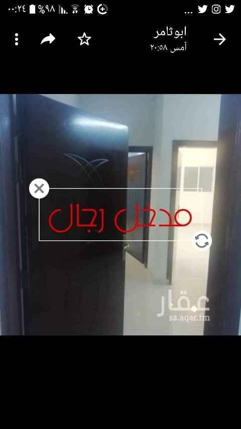 1666658 شقة اربع غرف جديدة موقع مميز بالقلت