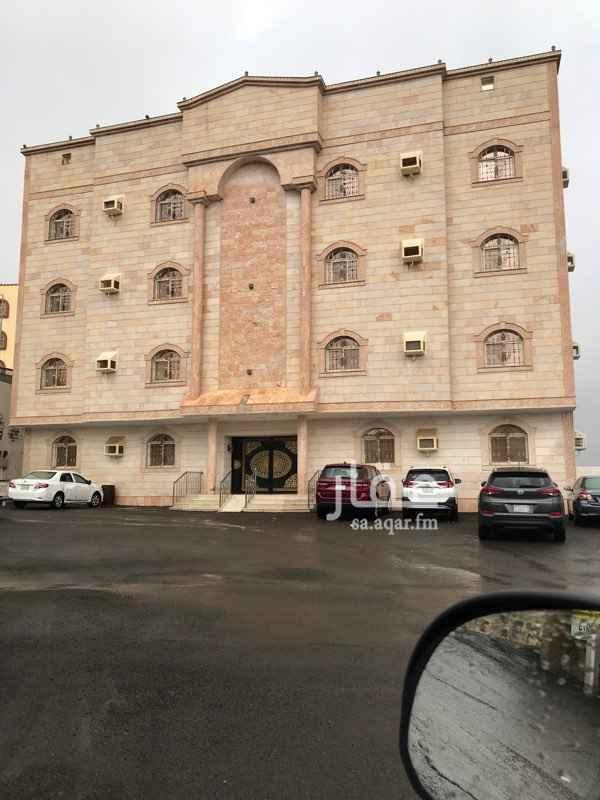 1625933 بجانب التأهيل الشامل 800 م عن مستشفى الملك فهد  4 غرف وصالة يوجد مصعد المياه يوجد شبكة متوفر مواقف 18000 الف دفعتين