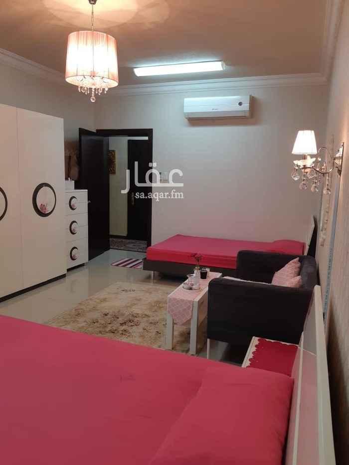 1398913 شقة بالدور الثاني تتكون من مجلس +صالة +3 غرف نوم+3حمامات +مطبخ +مستودعين +مدخلين للشقه + موقف سيارة+ مصعد للشقه